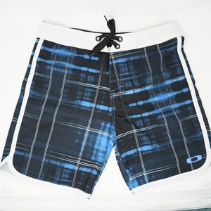 "Oakley Swim Trunks Board Shorts 19"" 33"